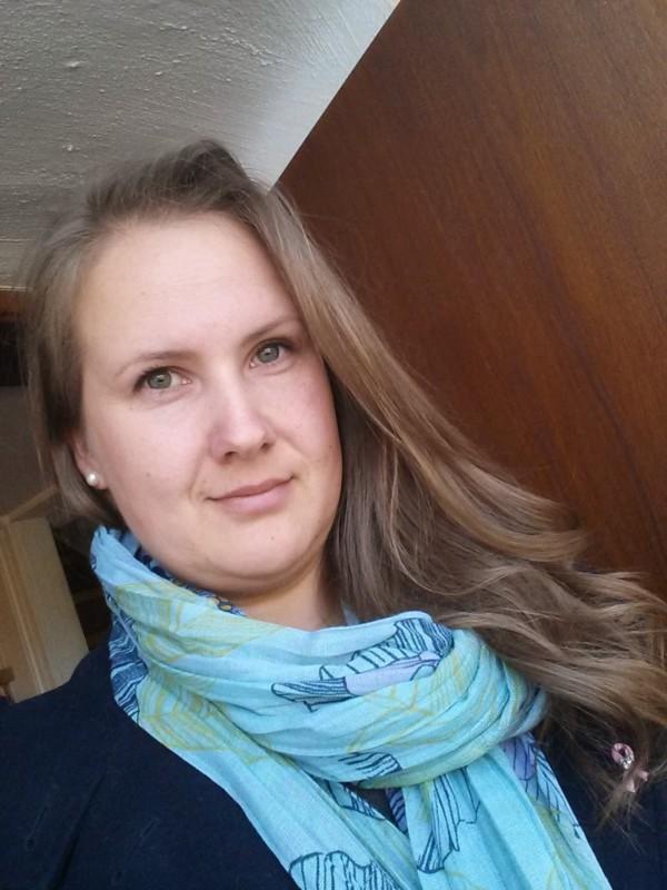 Varmt og humoristisk om det å være høy kvinne i Norge.